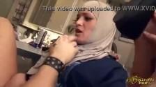Panienka w hidżabie uwielbia ostre pieprzenie